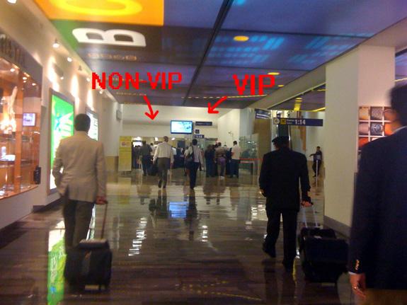 Aeropuerto de MTY, arco de metales
