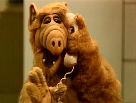 Alf al teléfono